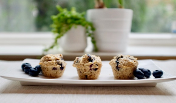breakfast oat-muffins with blueberries